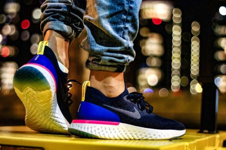 fe048d0ddc77 Nike Epic React Flyknit Collegiate Navy on feet (AQ0067-400) (2 ...