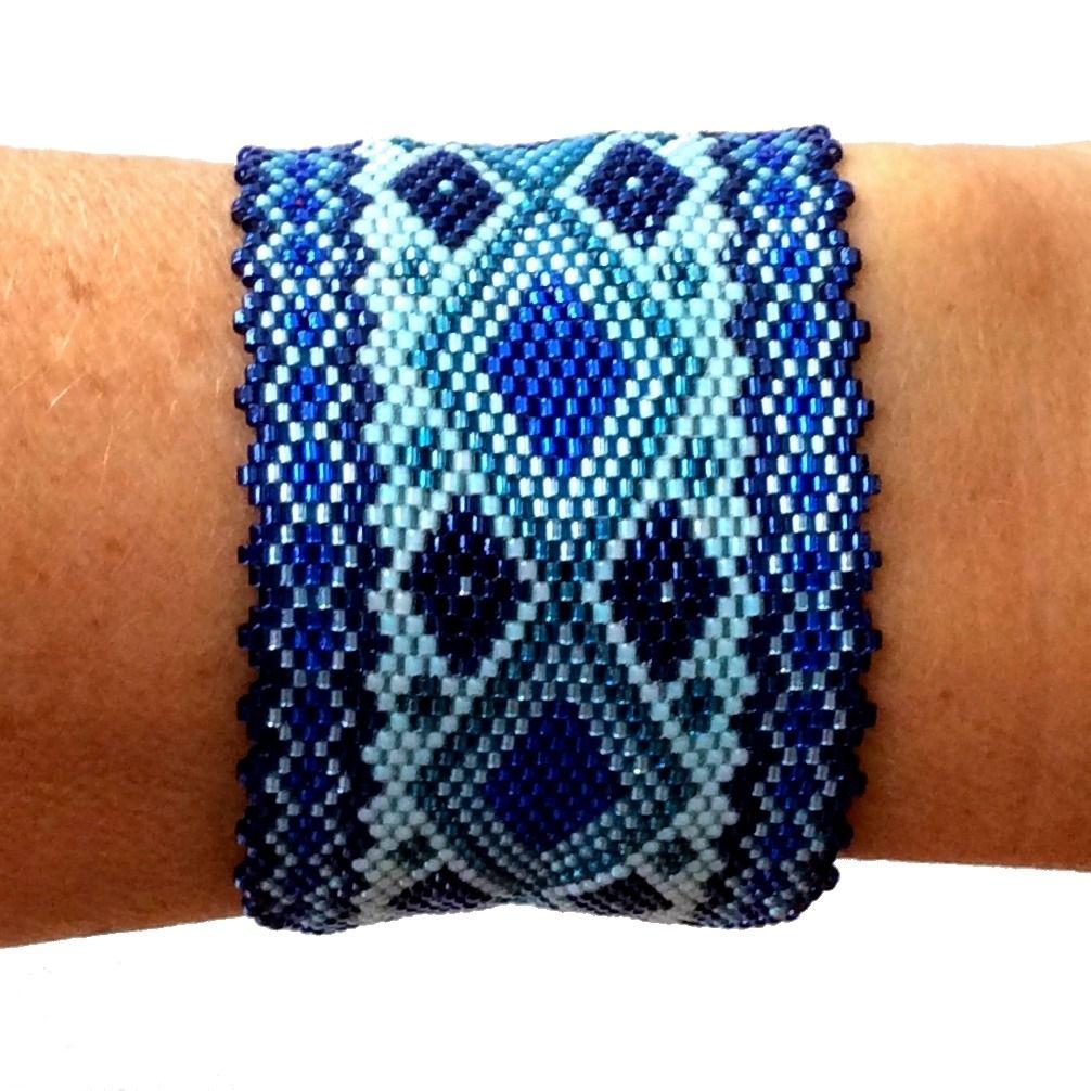 bracelet manchette à fleur miyuki rose | more beads and peyote