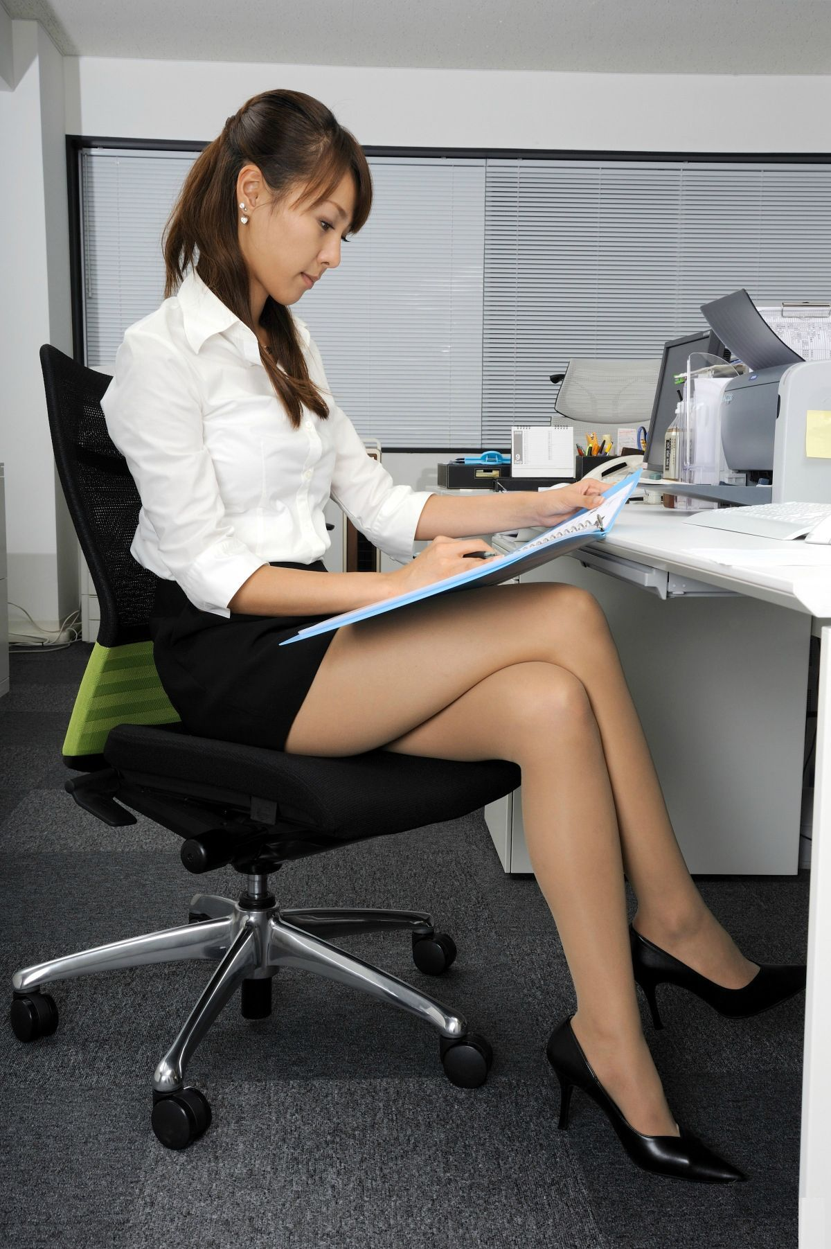 Beautiful Asian Secretary Follow Me Onkecosce Secretary