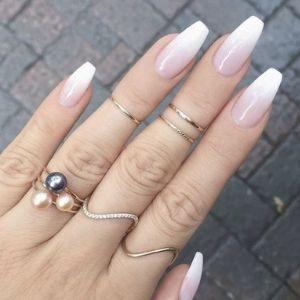 Comment faire un baby Boomer sur vos ongles