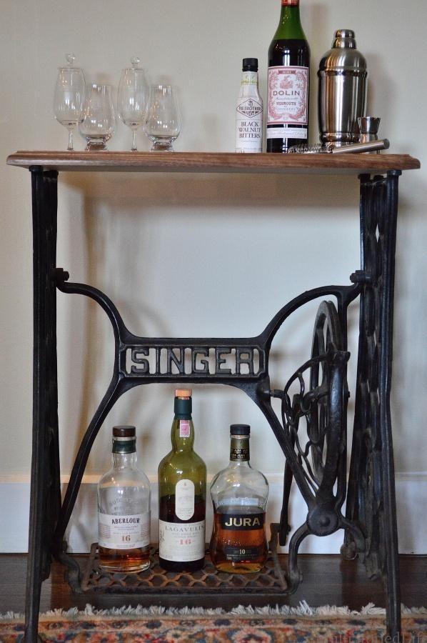 singer sewing table bar muss ja nicht der schnaps sein. Black Bedroom Furniture Sets. Home Design Ideas