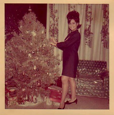 Vintage Christmas Photo ~ Decorating the tree. (Look at that ...