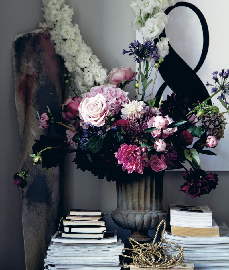 From Stylist Hans Blomquist S Book In Detail Home Decor Flowers Floral Planting Flowers