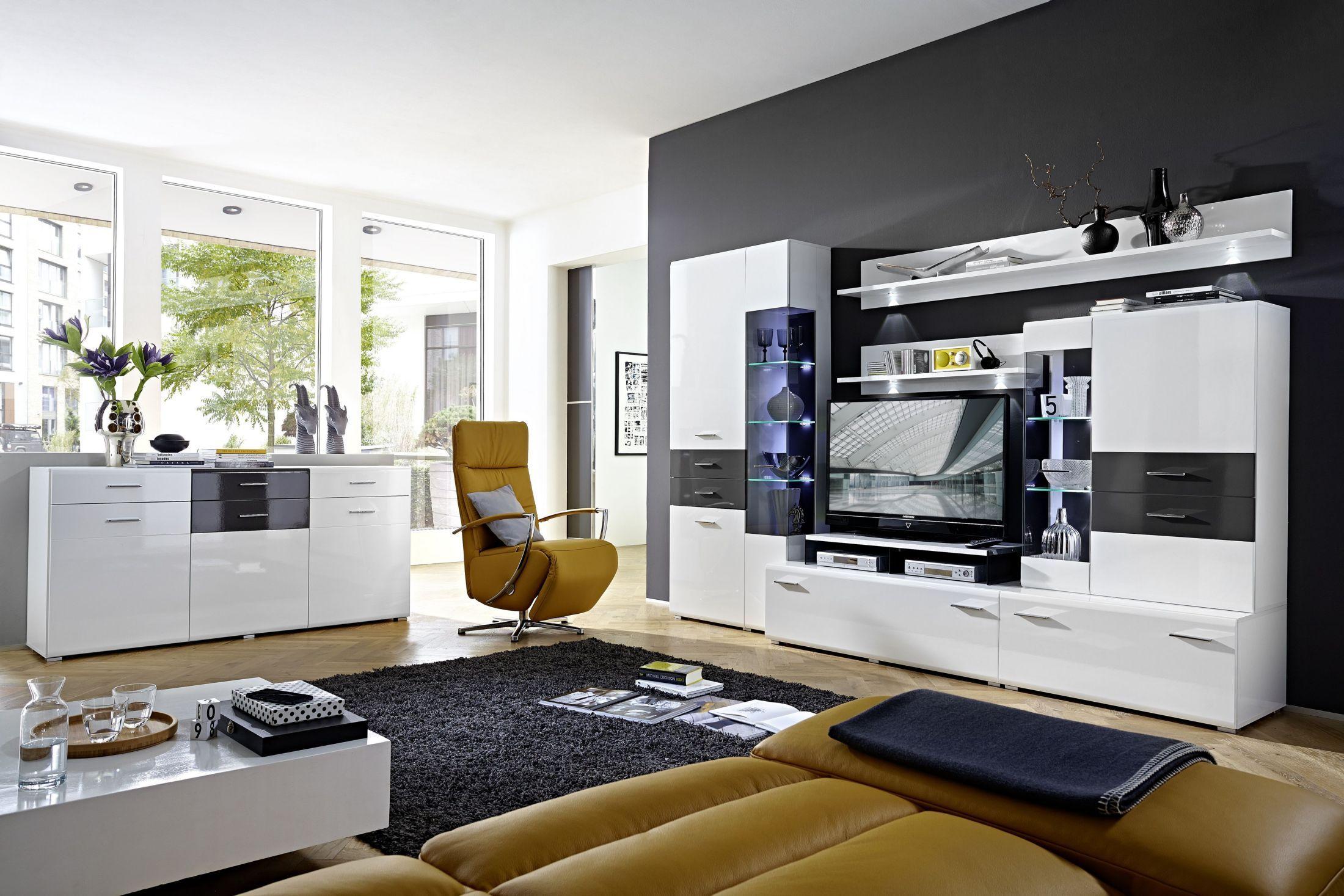 Wohnzimmer Hochglanz ~ Wohnzimmer mit sideboard weiss hochglanz grau mit beleuchtung woody