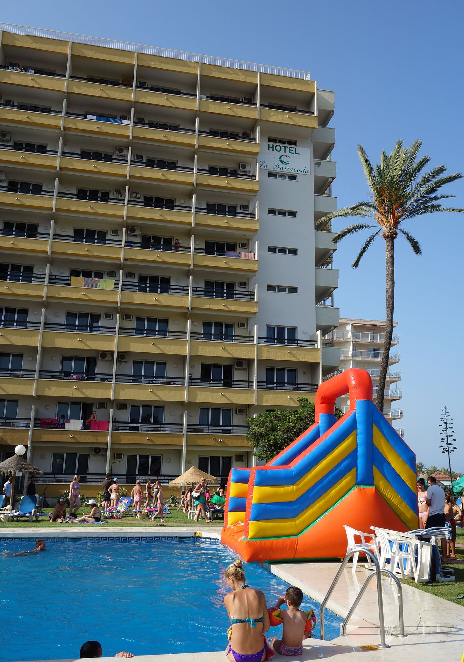 Juegos de vacaciones en la piscina for Jocs de piscina
