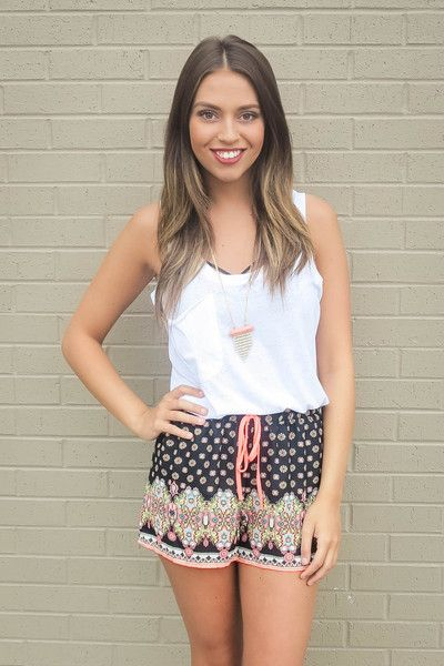 Pretty in Paisley Shorts- Black