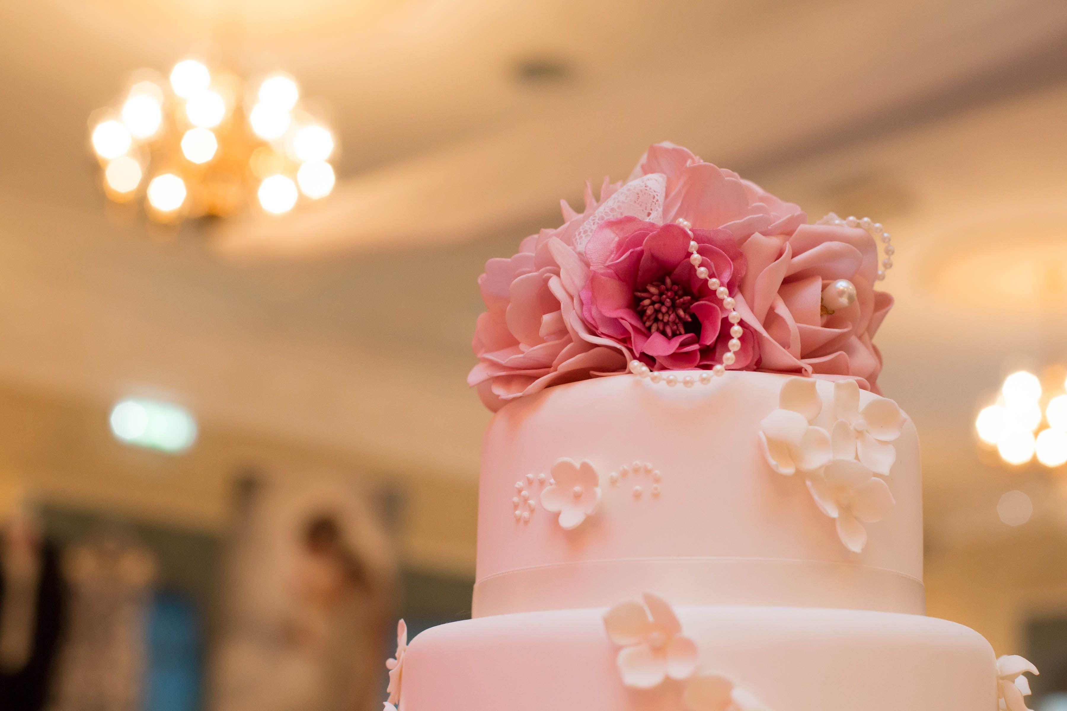 Silk Flowers For Wedding Cake Wedding Cakes Pinterest Silk