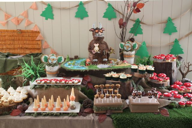 The gruffalo birthday party ideas everyone loves a good party pinterest decoracion fiesta - Decoracion fiesta navidad ...