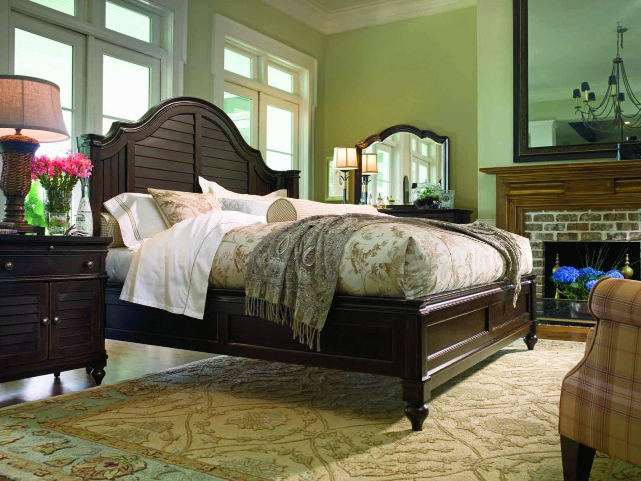 Paula Deen Home Steel Magnolia 2Piece Platform Bedroom