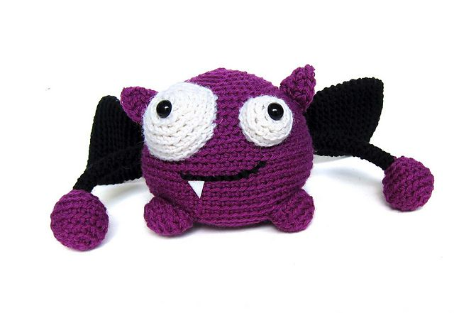 Amigurumi Monster Pattern Free Crochet : Ravelry taggle the monster pattern by stacey trock free pattern