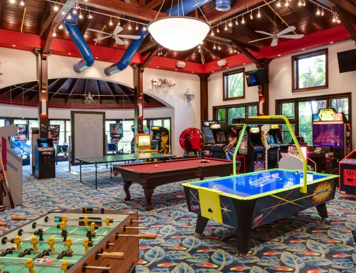 Most Extravagant In Home Game Rooms Google Search Arcade Room