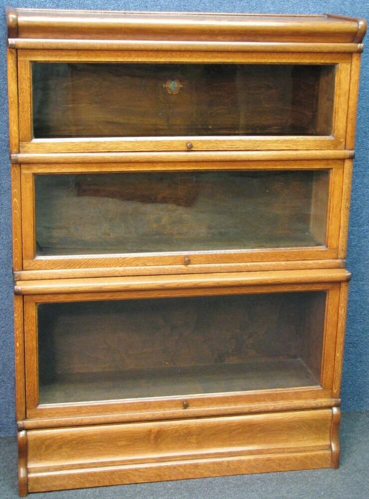 1920s Globe Wernicke Oak Stacking Sectional Bookcase Or Cabinet In 2020 Bookcase Sectional Oak