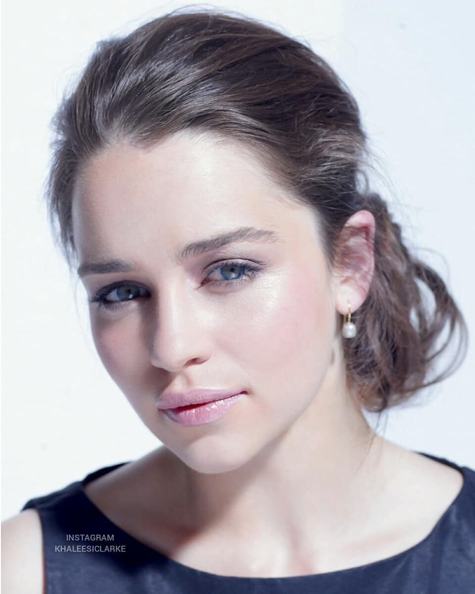 Pin by Realreckless on emilia clarke | Emilia clarke ...