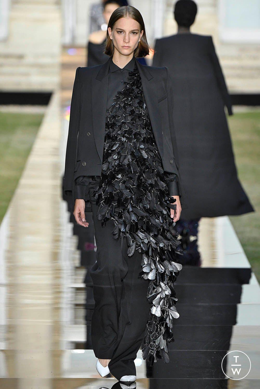 27e7a43d3d7e Givenchy - Fall Winter 2018 - Look 14