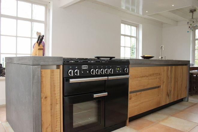 Eikenhouten kookeiland met beton werkblad by jp walker houten keukens maatwerk pinterest - Keuken met kookeiland table ...