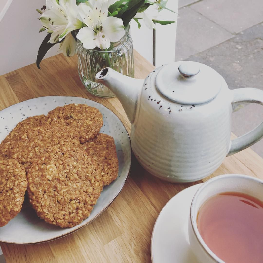 Come and relax- We have got lovely tea by @eteaket in the cafe served with delicious home baked chamomile cookies... yum! #elevenses #oats #timefortea #healthytreats #marchmont