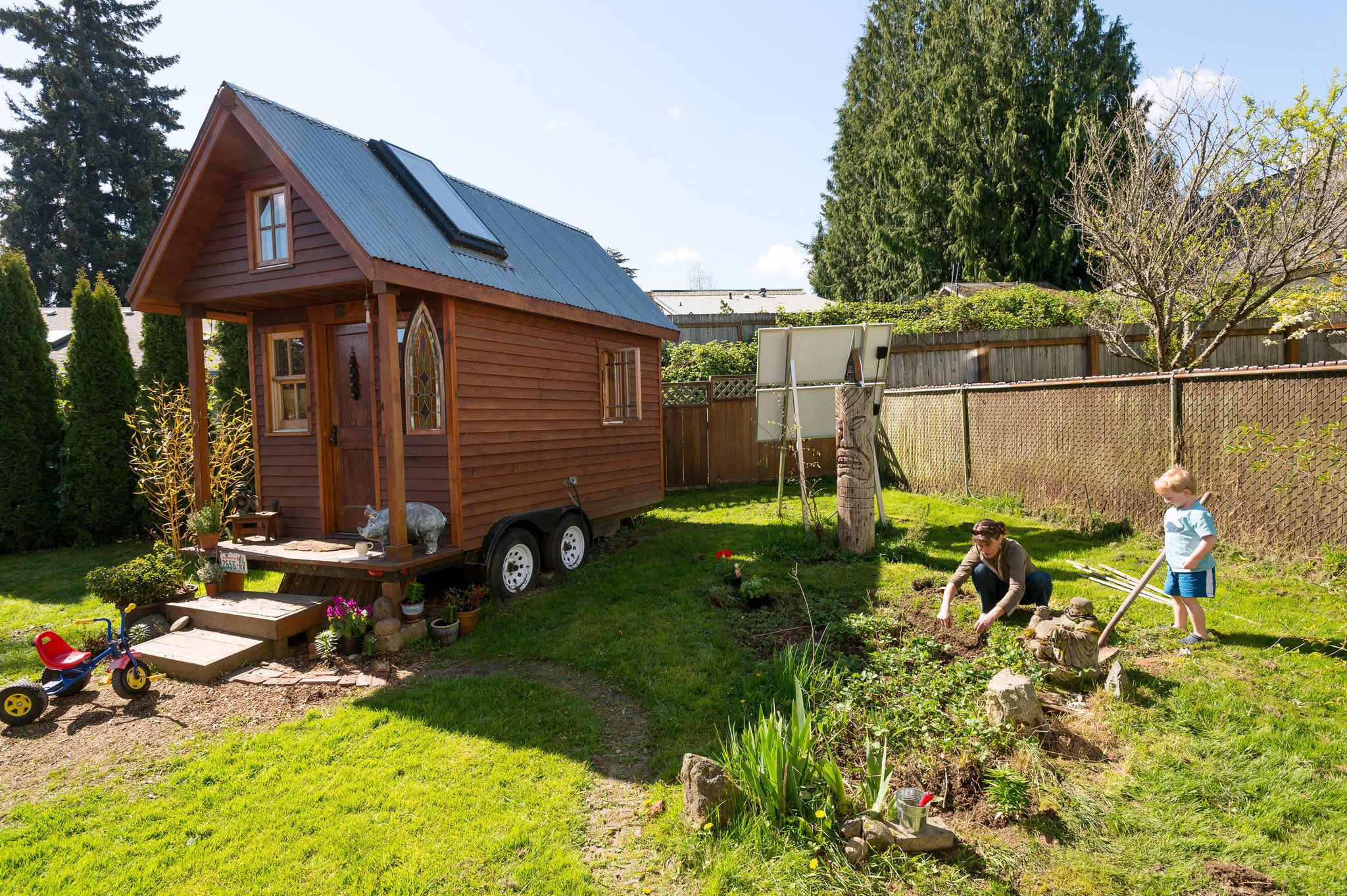 square feet 84 possessions 305 square feet tiny houses and