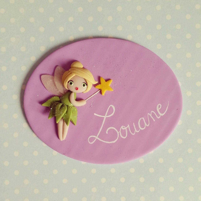 Plaque de porte princesse elsa fond rose decoration roses and elsa for Plaques decoratives murales