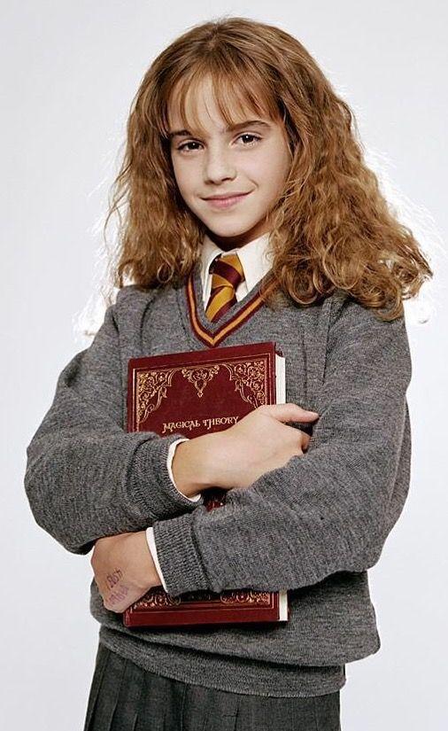 Pin Von Rosa Aime Auf Emma Watson Hermine Granger Hermine Harry Potter Kostum