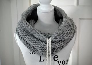 Nomad Cowl knitted with Katia Nomada