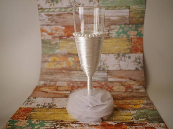 Copas decoradas boda. Decorated cup wedding//Decorated crystal cups. Toasts Wedding Cups. Gift for the bride and groom. Couple of glasses for toast. Decoration event. Wedding present
