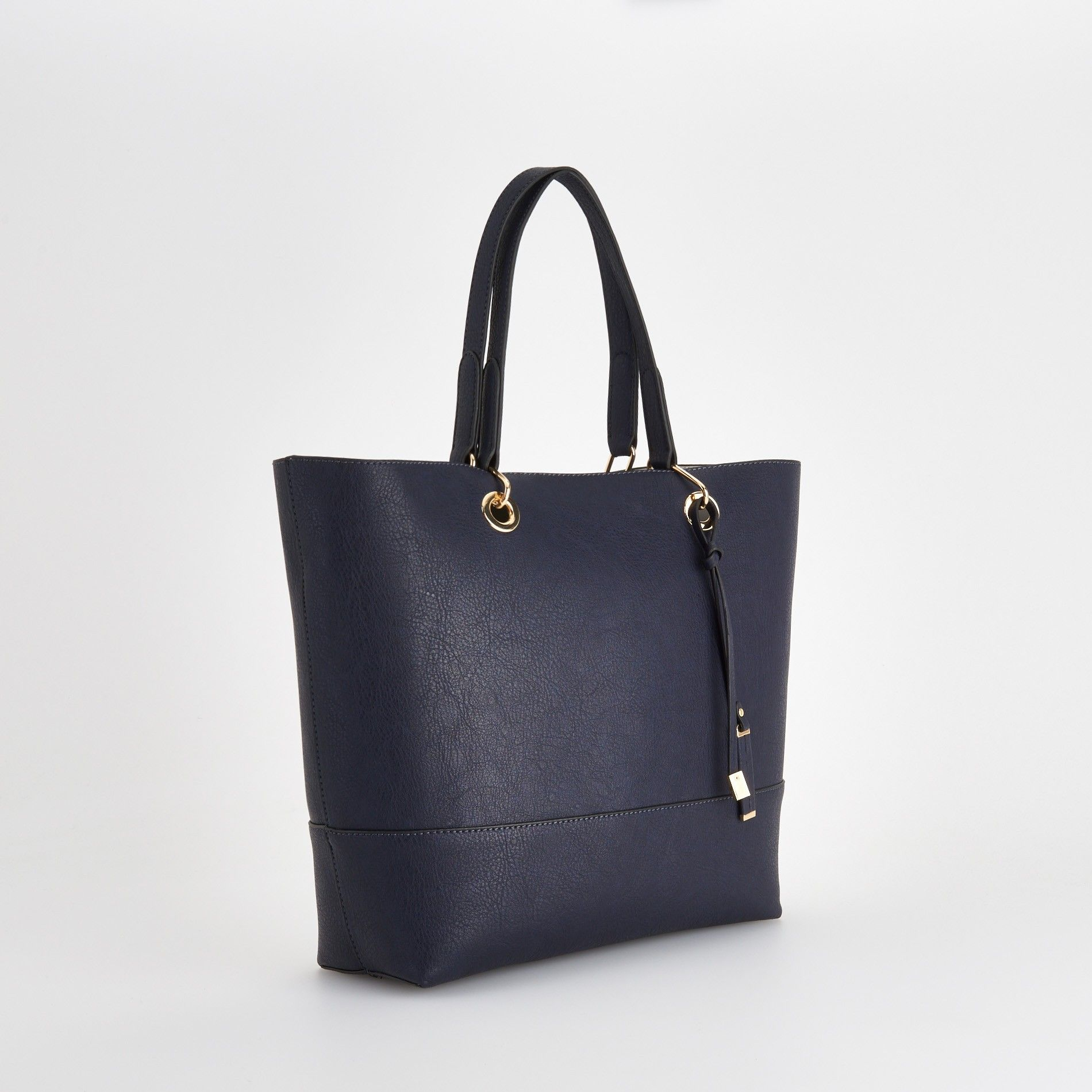 http://www.reserved.com/pl/pl/woman/all-1/accessories/bags/pu275-59x/shopper-bag