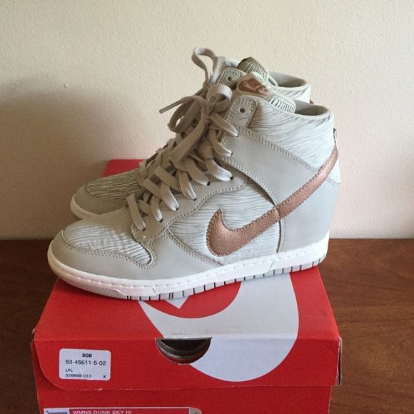 pas mal a08d4 e129b Brand New Nike Dunk Sky High Sneakers Rose Gold 9! Brand new ...