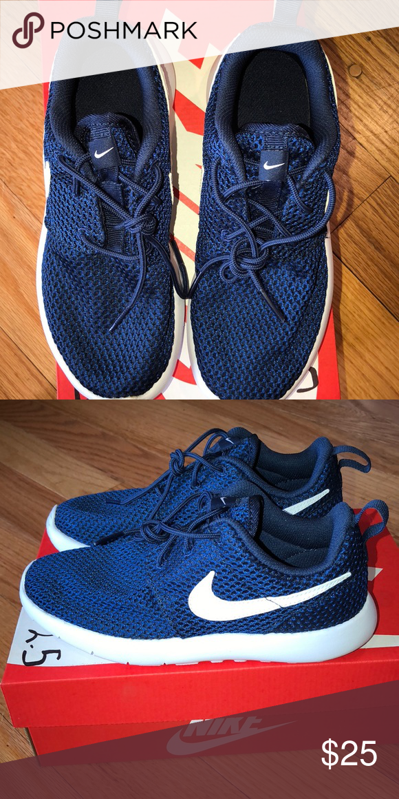 size 40 27089 43c07 Boys Nike Roshe one size 2.5 youth. New in box New in box ...