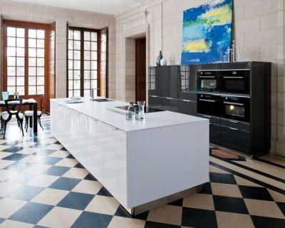 cuisine - sol - damier noir et blanc - pose diagonale carrelage+