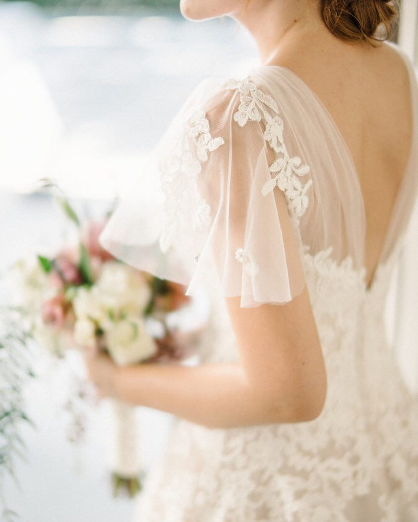 The flutter sleeves on this #weddingdress are dream #wedding status ...
