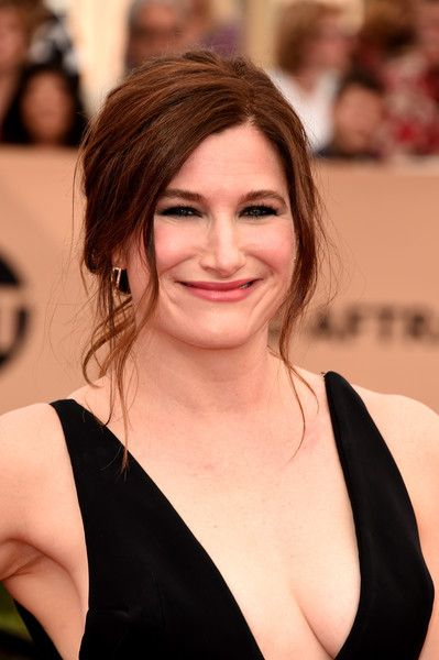Pin by Letícia Ferraz on Kathryn Hahn | Hot, Hann, Kathryn ...