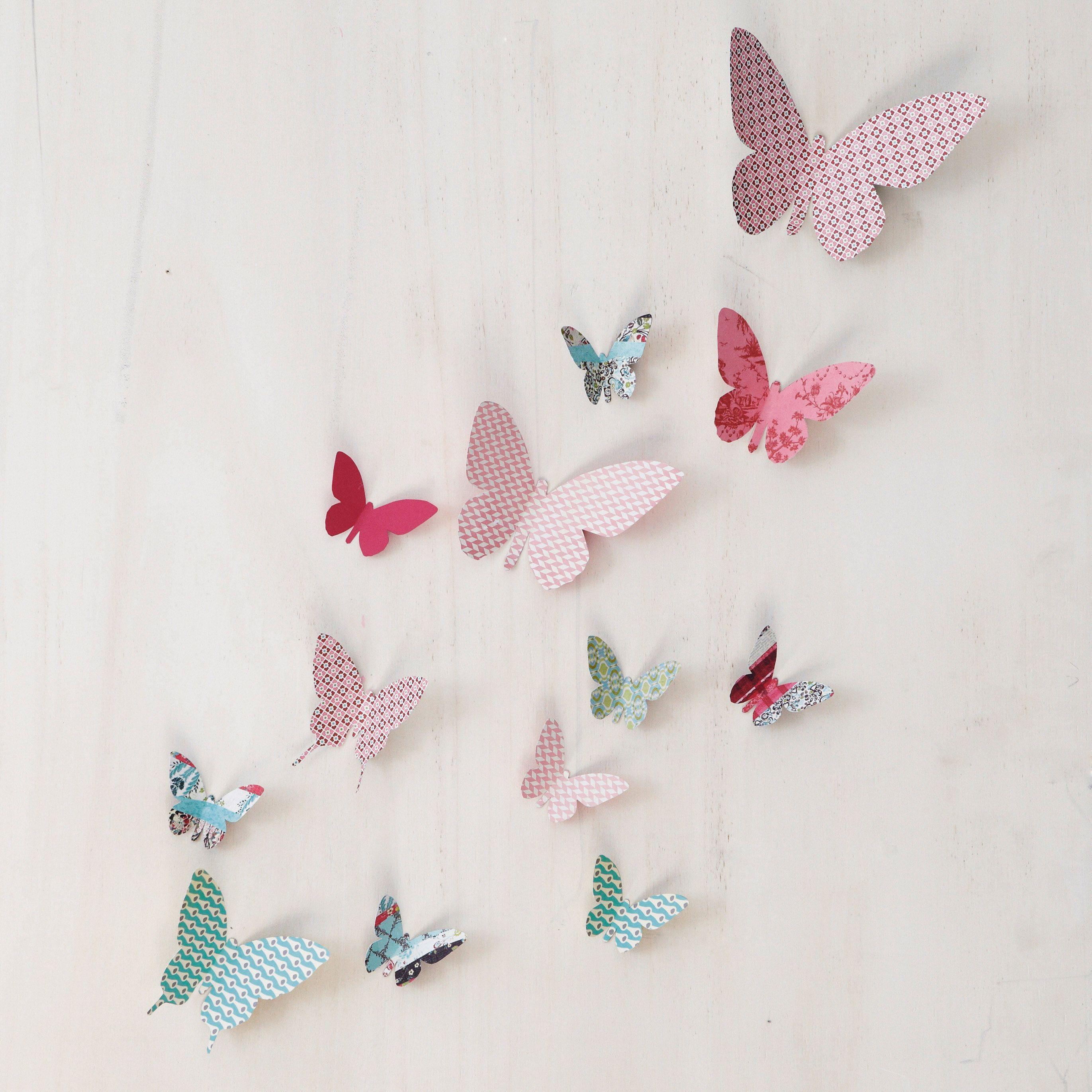 papillons en papier, libelules aussi, fleurs,  Papillon en papier