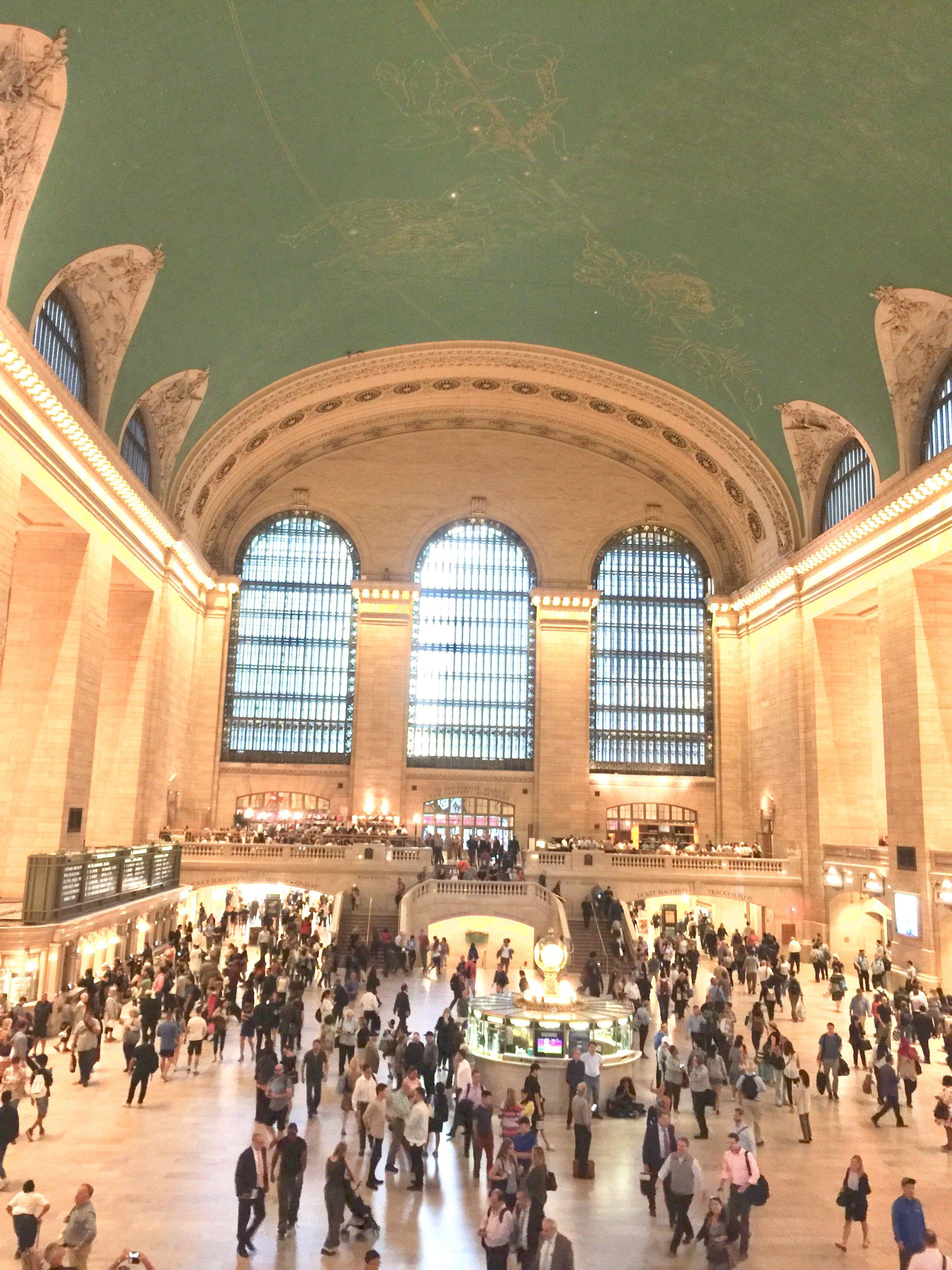 グランドセントラル駅 ニューヨーク 必ず一回はこの星座の天井を拝見