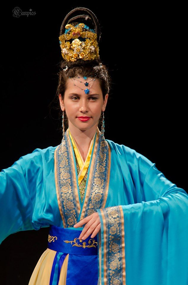 Han Couture — ancient Chinese clothing revived for the present.