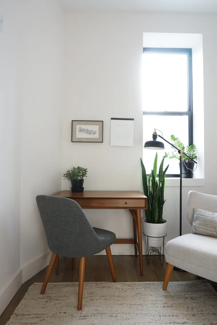 A Modern And Minimal Rental Apartment In Crown Heights Has A Sleek And Inspiring Style Apartment Living Interior Minimalism