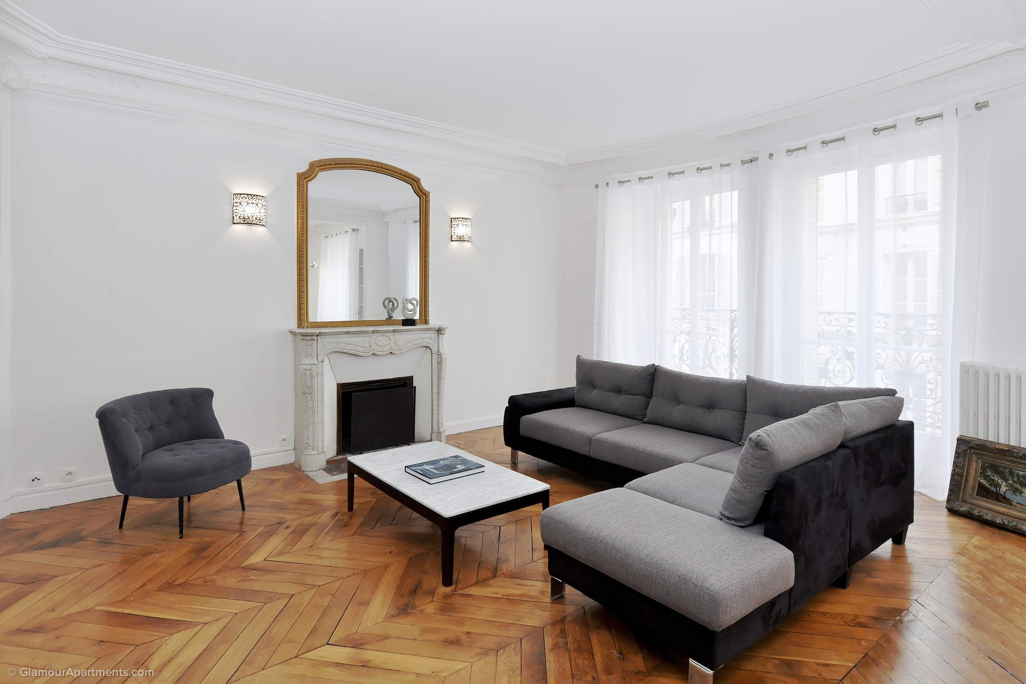 Spacious Light Apartment For Long Term Rent On Rue Lauriston In The  Arrondissement Of Paris.