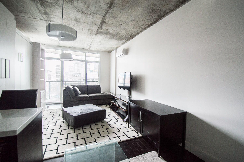 Light filled apartment for rent on Rue Bishop!!