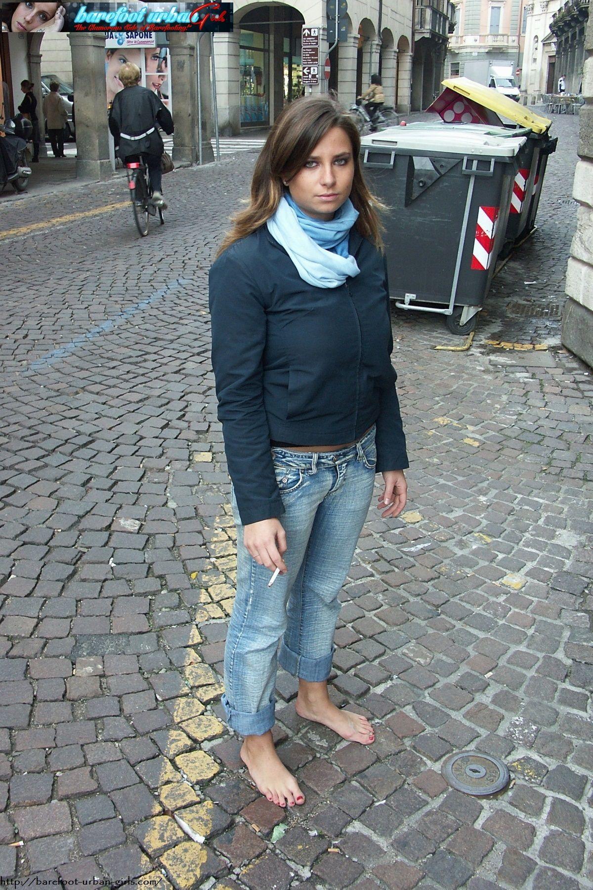 Pin Alex Gabriel Barefoot Urban Girls