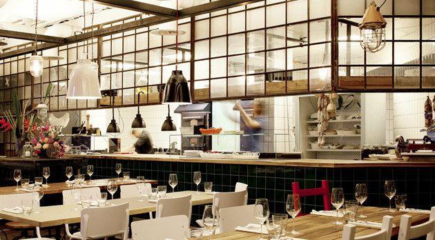 Designline Küche - Projekte Panoptikum der Sinne designlinesde - küche mit bar