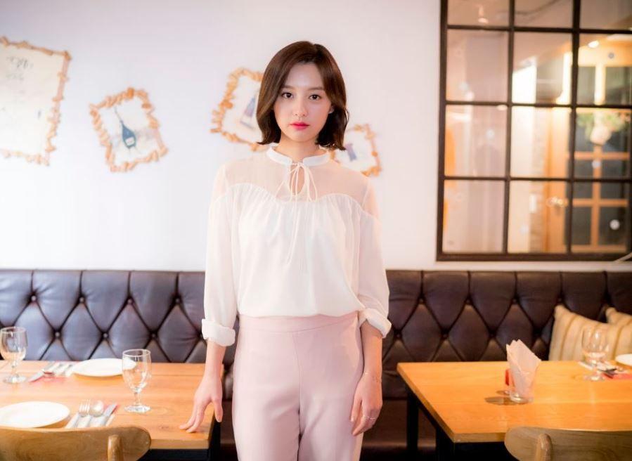 . #ActressKimJiWon #김지원 #金智媛 #KimJiWon #คิมจีวอน #Geewonii