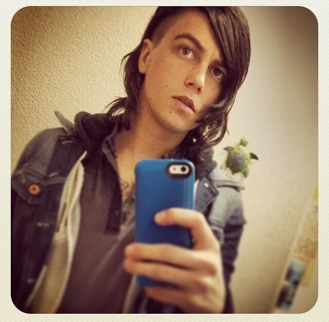 Kellin Quinn What Do You Think About His New Haircut Kellin Quinn Sleeping With Sirens Hollywood Undead