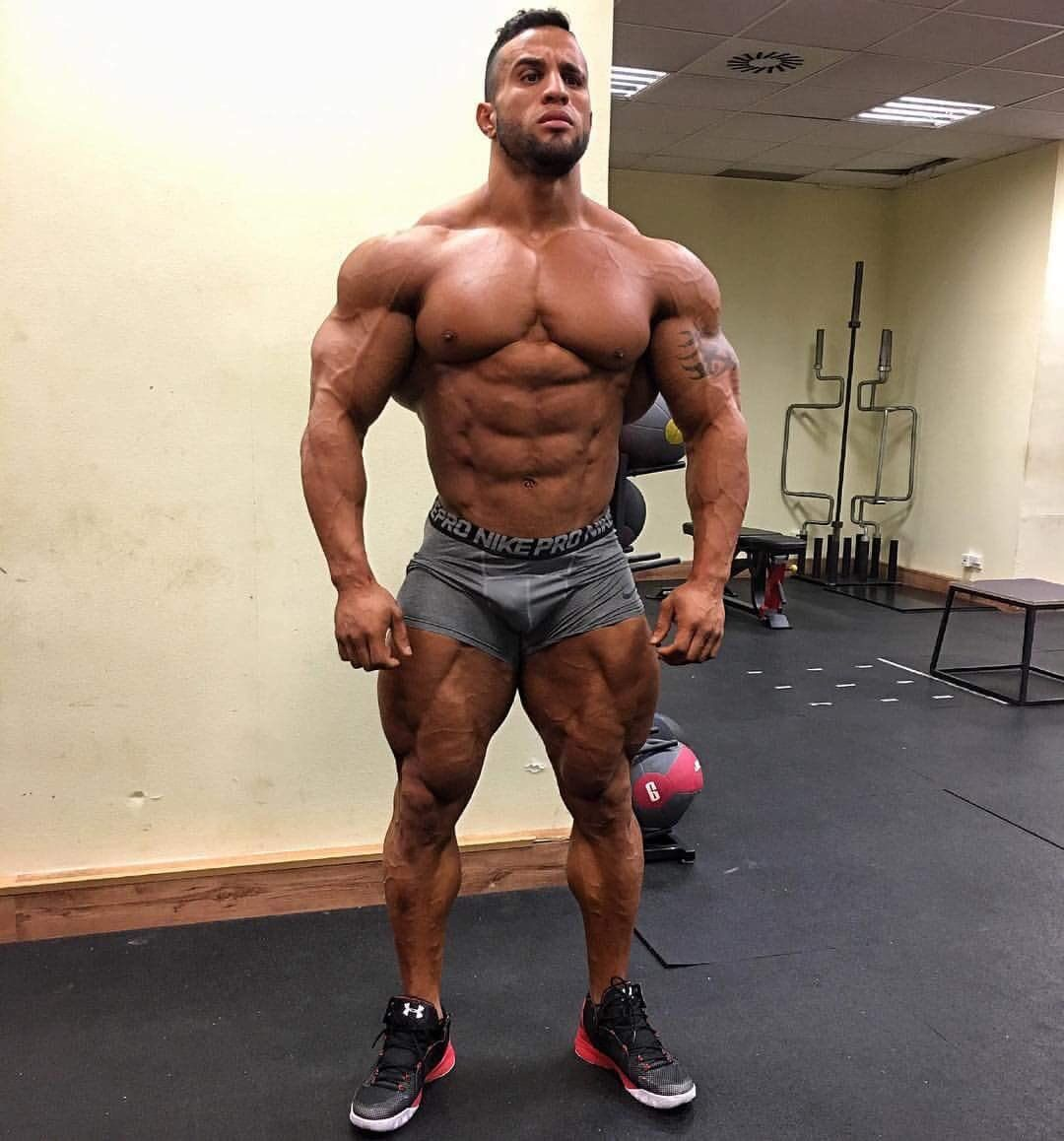 muscleworshipuk on | Bodybuilding | Muscle men, Ripped muscle, Muscle