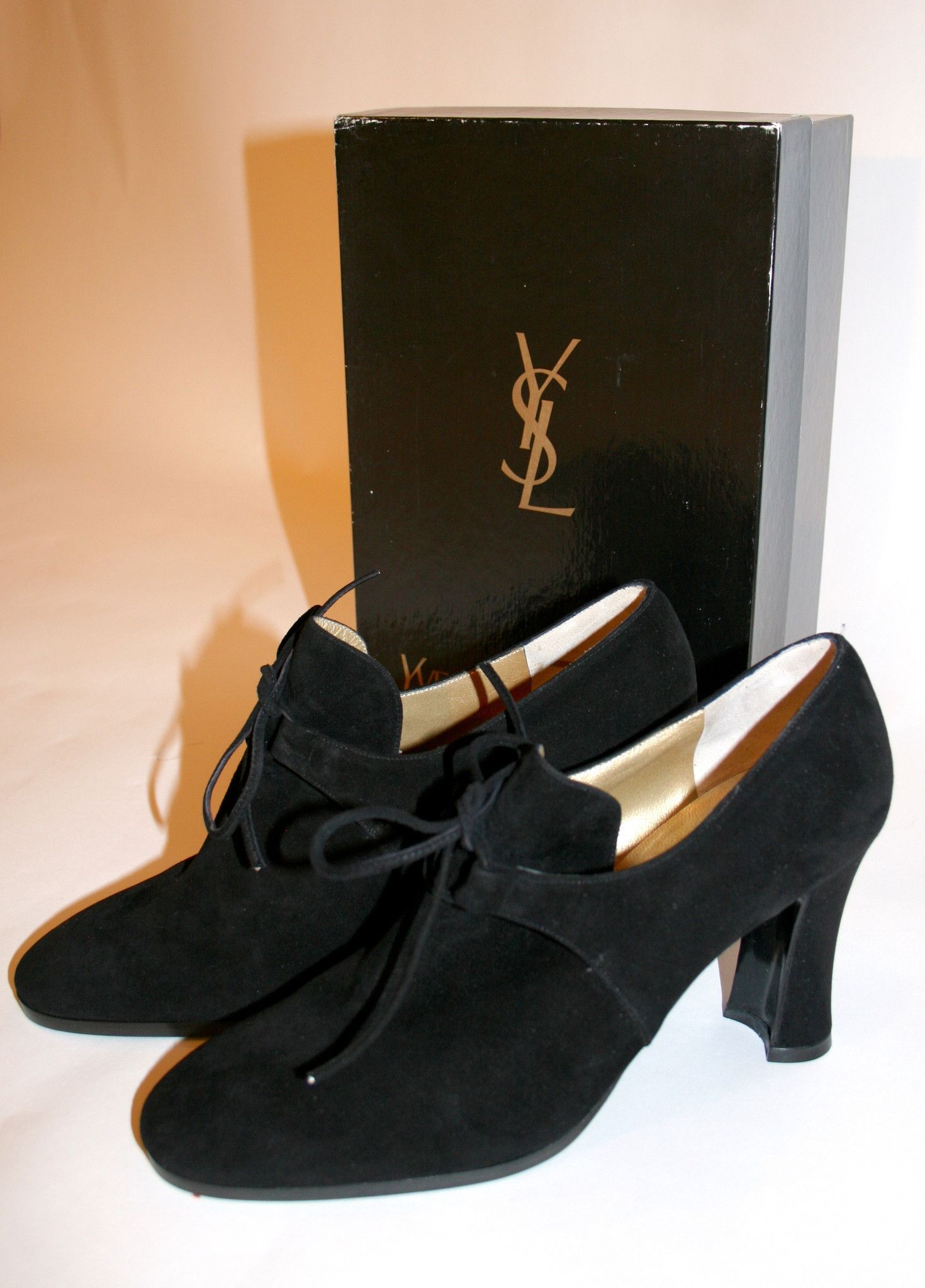 36c232c24 Vintage YSL Suede Shoes | do/look | Shoes, Suede shoes, Ysl