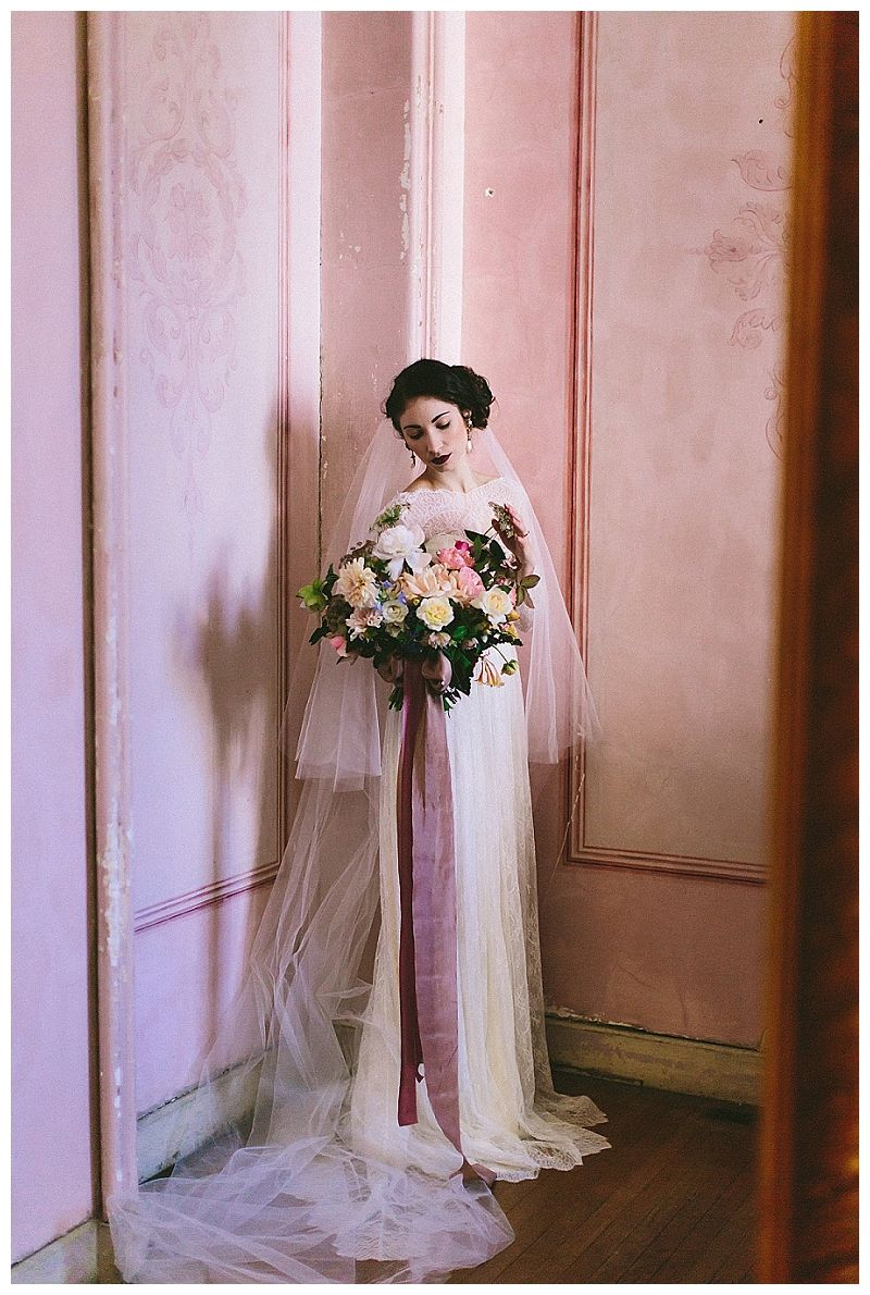 Bridal portrait inspiration at Hay House in Macon, GA. Dress by ...