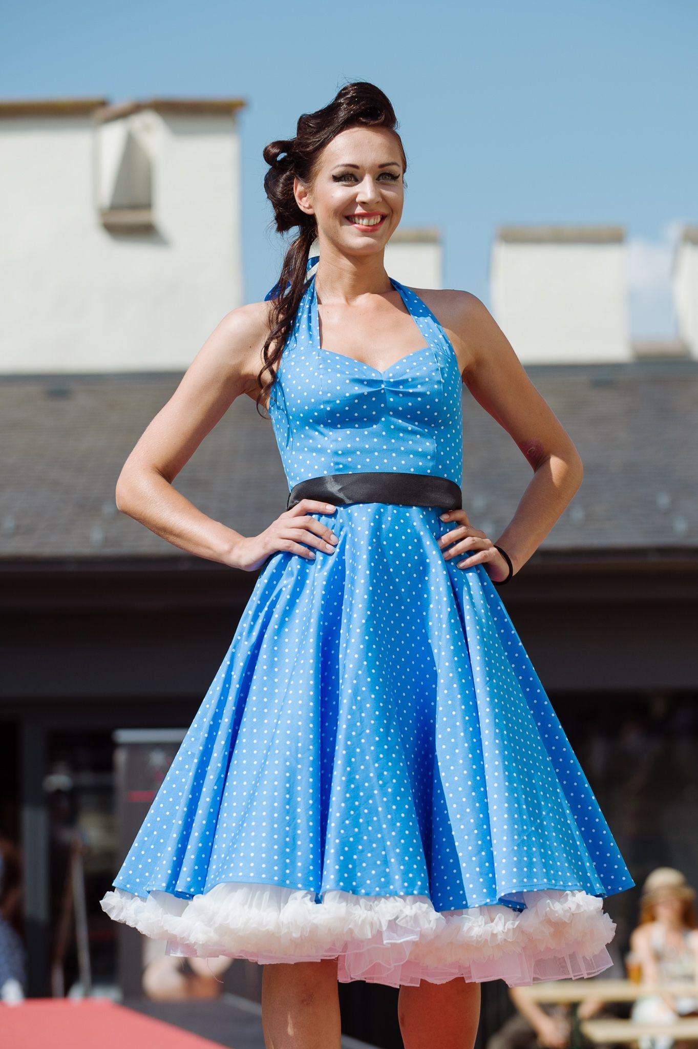 Modré bavlnené retro šaty s bielymi bodkami  b6a3d2f5d03