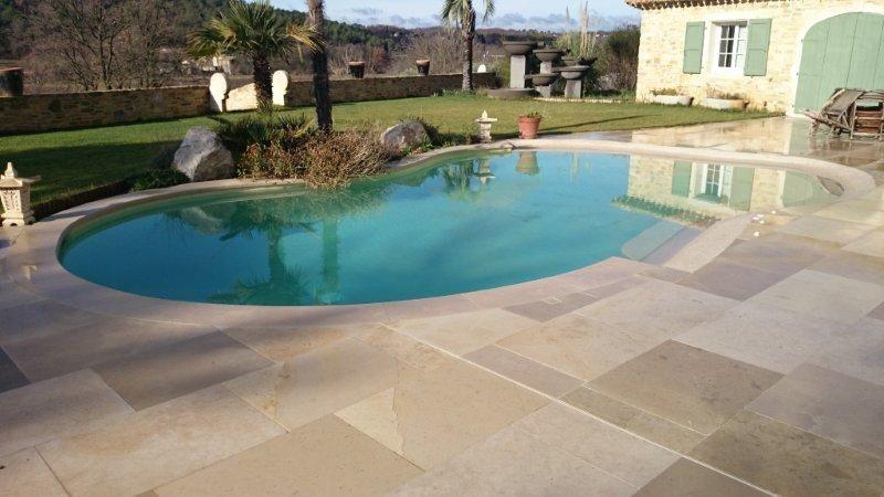 Margelles et plages de piscine, couvertines de mur en pierre