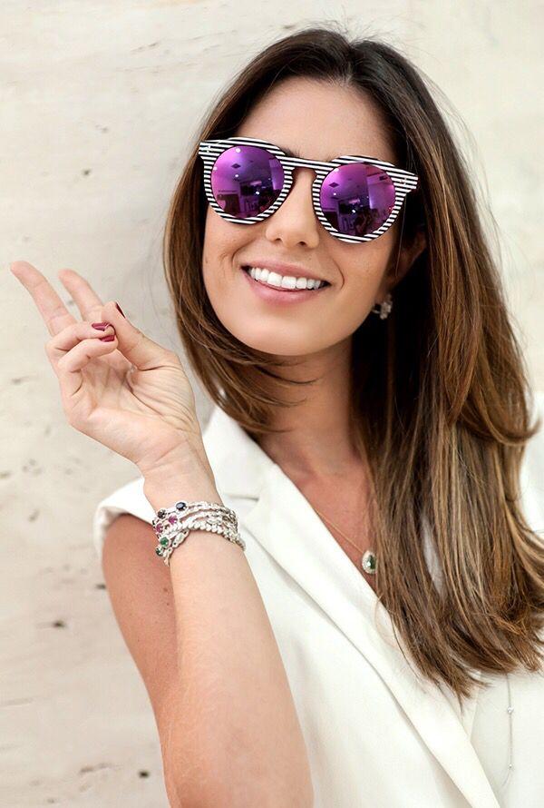 Nicole Pinheiro Usando Óculos, Modelos Femininos, Oculos De Sol, Feriado,  Espelhos, 45c3520ebb