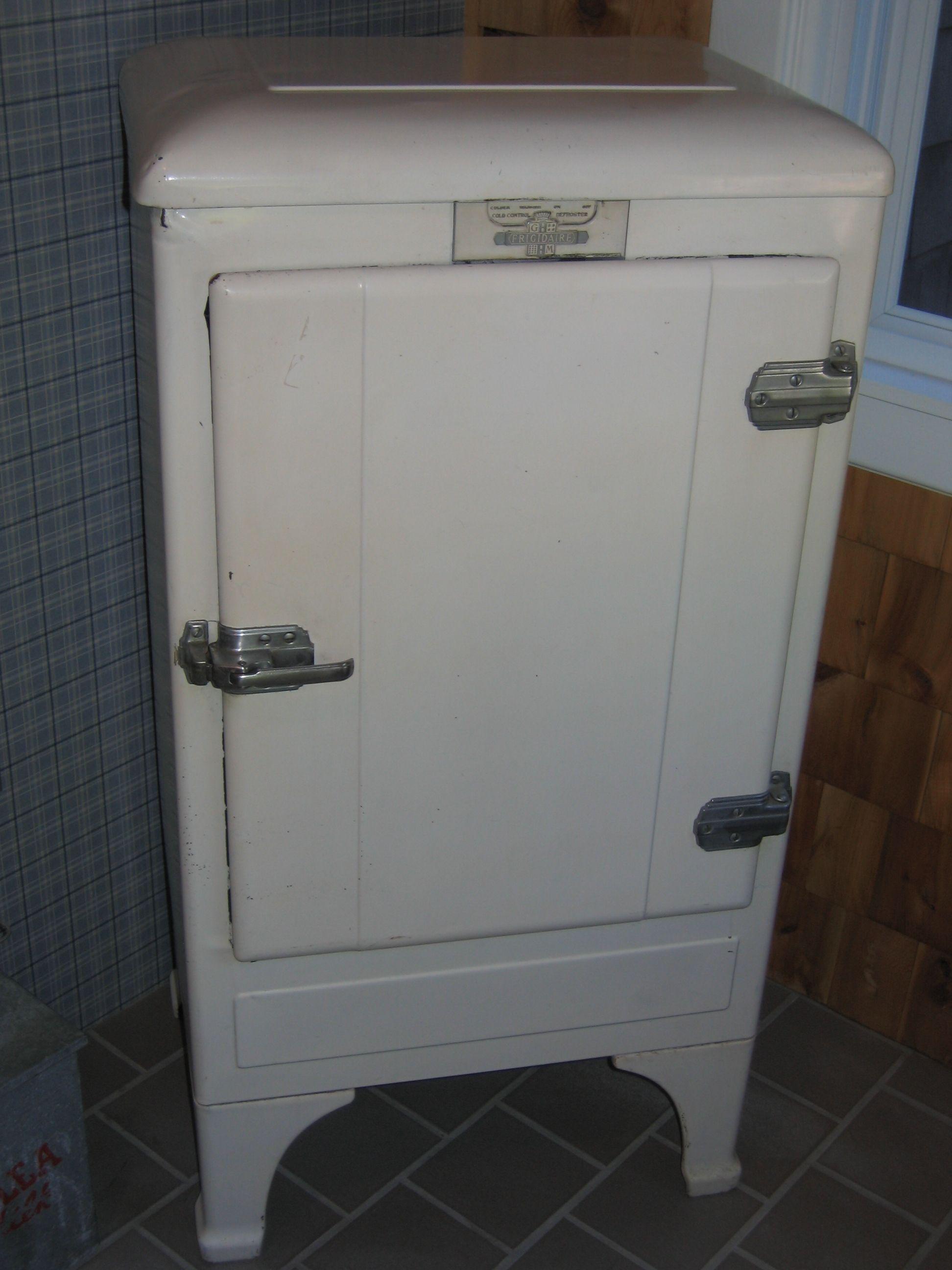 1936 Apartment Size Frigidaire Vintage Fridge Vintage Kitchen Vintage Kitchen Appliances