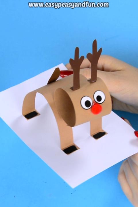 3D Construction Paper Reindeer - Christmas Craft Idea with Template,  #Christmas #Constructio... #craftprojects
