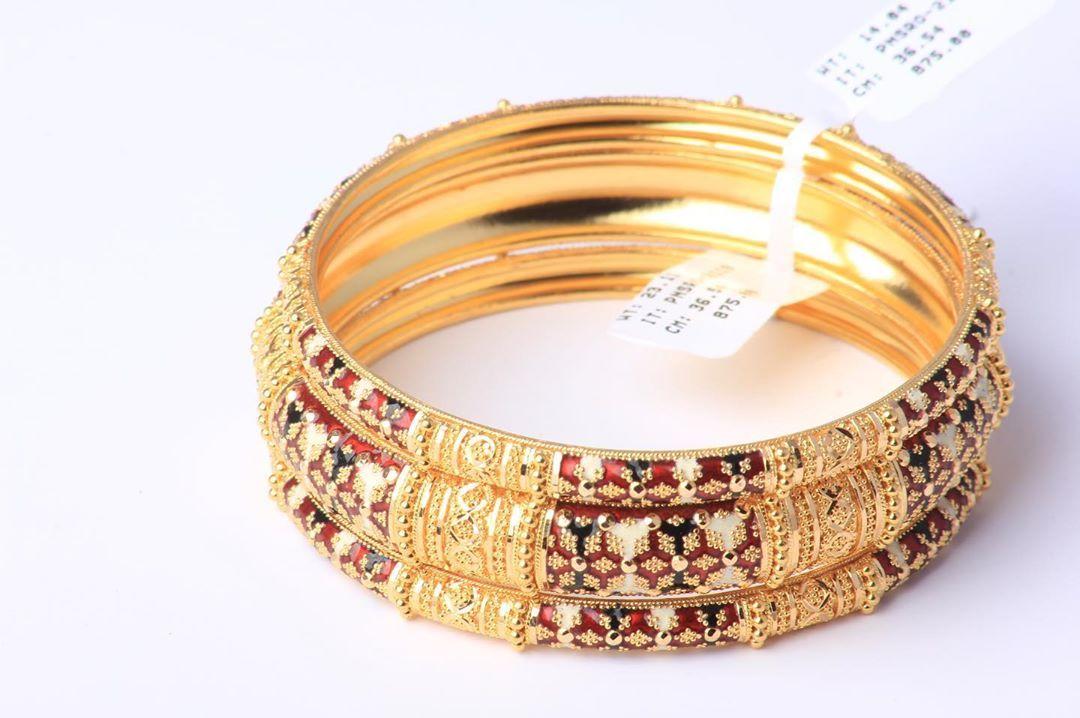 معاضد غوايش تركيبه من ماسة جنة الهند كولكشن ذهب ثقيل عيار ٢١ متوفر بفرع بن خلدون بلازا بالدمام يوجد شحن الى جميع ان Gold Gold Bracelet Jewelry